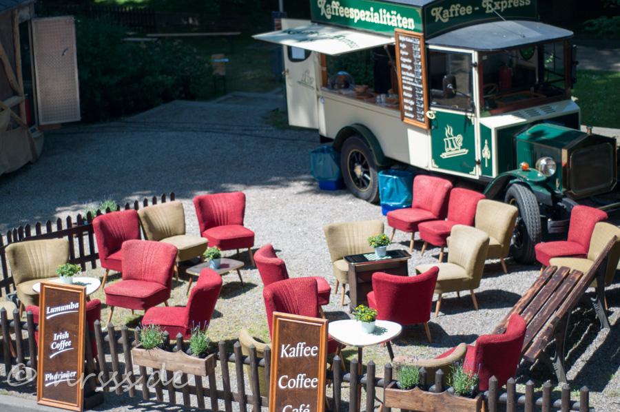 Open-Air Café