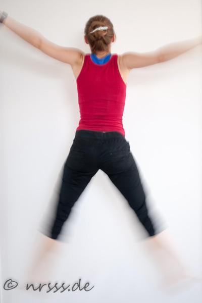 Sprungübungen kommen beim BBG oft vor. Und sie sind verdammt anstrengend! Wobei beide Fotos keine dieser Übungen zeigen sondern nur wildes Rumgehüpfe.