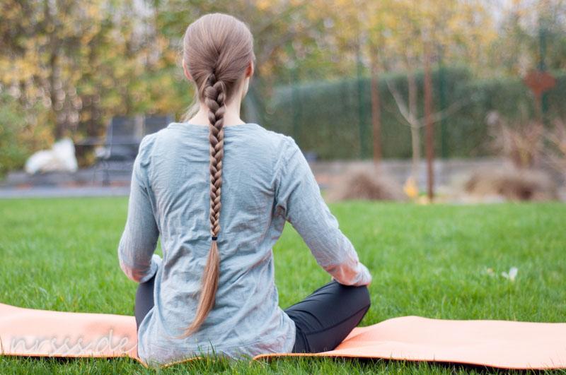 Eigentlich wollt ich doch mal über meine Sportfrisuren bloggen, oder? Das ist jedenfalls die Yoga-Frisur