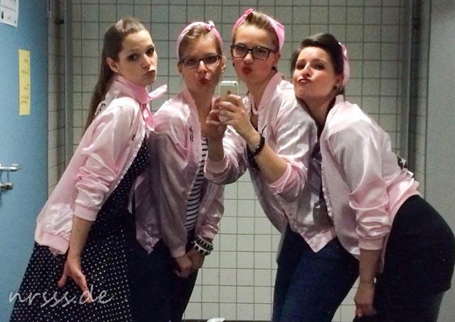 Zu Jahresbeginn verkleidete ich mich als Pink Lady, Clown, Höhlenmenschin und schließlich Cowgirl